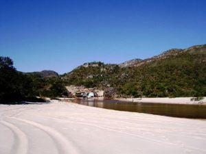 Locação de vans para Águas de Santa Bárbara
